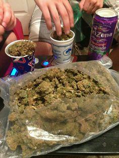 Buy Marijuana Online I Order Weed online I Buy Cannabis online I Edibles Minions, Cbd Oil For Sale, Cannabis Shop, Buy Weed Online, Smoking Weed, Hemp Oil, Medical Marijuana, How To Dry Basil, Ganja