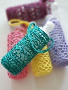 Crochet Home, Crochet Gifts, Crochet Baby, Free Crochet, Knit Crochet, Knitting Patterns, Crochet Patterns, Diy Stockings, Bottle Holders