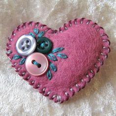 button and felt crafts   Little felt and button heart   Crafts