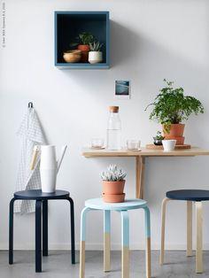 ¡Nada de taburetes sosainas! Añade un poquito de color como ya te contamos en este post y sorprende al personal antes de que plante sus posaderas. #home #decoration #ikea #hacks #ikeahacks #furniture #creativity #originality #inspiration #loveit