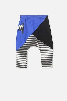 How cute are these little baby boy leggings! Love the stripes and blue #affiliate