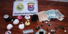 PM apreende drogas em Ribeirão Claro - http://projac.com.br/policial/pm-apreende-drogas-em-ribeirao-claro.html