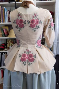 American Duchess: V185: The Polonaise Jacket of Doom and Hell
