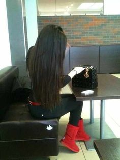 long black hair, Skinny jeans, and Uggs