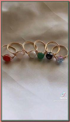 Wire Jewelry Designs, Handmade Wire Jewelry, Diy Crafts Jewelry, Ring Crafts, Cute Jewelry, Diy Wire Jewelry Rings, Diy Beaded Rings, Beaded Jewelry, Handmade Jewelry Tutorials