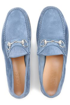 offers Gucci Shoes and Loafers for Men, Dress and Sport, from the Latest Collection. Find Men's Gucci Shoes in a wide online selection of Mens Designers.