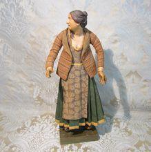 Neapolitan Creche Figure - Peasant Woman