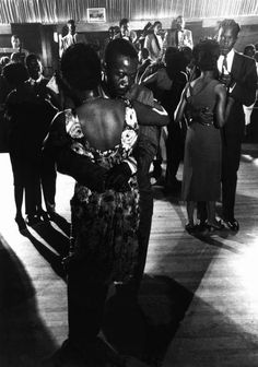 Dennis Stock - Dancing to a Jazz Band at the Savoy Ballroom, New York City, 1958. S)