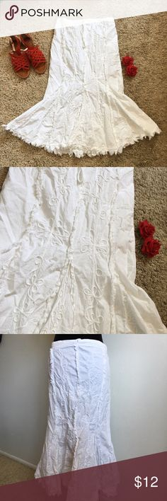 Trumpet/ Mermaid Cut Skirt Re-condition, only worn once. Size large and true to size. Has a drawstring to adjust fit around the waist. Hits around ankle length, depends on height of person of course. Has floral designs and vines along the front of the skirt. Let me know if you have any questions Skirts