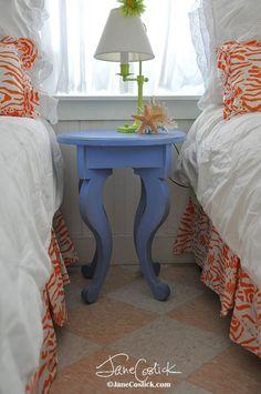 Jellyfish Table