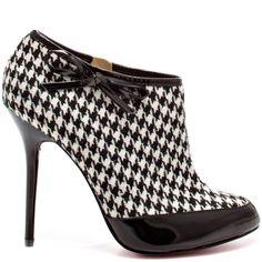 Sierra - Black Patent Grey  Paris Hilton $109.99