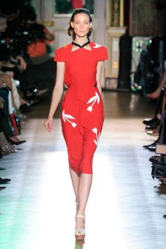 Roland Mouret Spring 2012 Runway - Roland Mouret Ready-To-Wear Collection