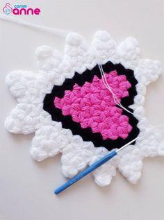 Kalp tanesi lif modeli yapılışı Crochet Girls Dress Pattern, Crochet Potholder Patterns, Baby Knitting Patterns, Sewing Patterns, Stitch Patterns, Boutique Bow Tutorial, Barbie Hair, Single Crochet Stitch, Boutique Bows