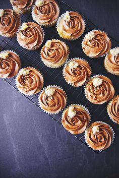 Roasted Banana and Salted Chocolate Cupcakes | La Pêche Fraîche