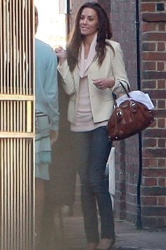 Kate Middleton - getting ready for wedding