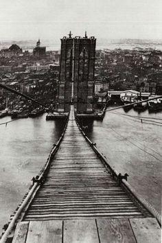 Footpath on the Brooklyn Bridge, 1880s