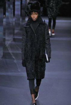 sfilata-moncler-gamme-rouge-autunno-inverno-2014-2015-total-black  #moncler #womenswear #abbigliamentodonna #vestiti #clothes #autunnoinverno #autumnwinter #moda2014 #fashion #autunnoinverno20142015 #autumnwinter2015