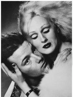 Candy Darling & Jackie Curtis by Jack Mitchell Holly Woodlawn, Candy Darling, Johnny Thunders, Punk Poster, Fallen Angels, People Of Interest, Andy Warhol, Walk On, Superstar