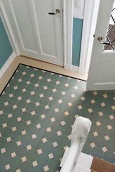 Sunny entryway with Winckelmans Dot & Octagon tile close-up: Pale Green Octagon cm + White dots cm Hall Tiles, Tiled Hallway, Black White Bathrooms, Black Floor, Vintage Bathrooms, Living Room Flooring, Grey Flooring, Küchen Design, Classic House