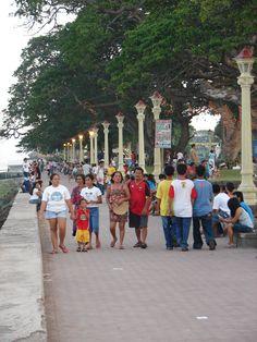 Philippines, Negros Oriental, Dumaguete, Boulevard strolling