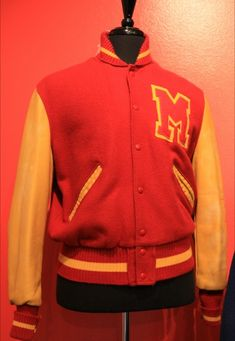 Michael Jackson Outfits, Michael Jackson Merchandise, Michael Jackson Bad Tour, Justin Bieber Images, Gary Indiana, The Jacksons, Thriller, Hip Hop, Handsome