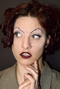 OK, we know ladies love to make up. But it is necessary to learn every job first and then do not it? Otherwise, terrible, fail make-up works will emerge. Bad Eyebrows, How To Draw Eyebrows, Permanent Makeup Eyebrows, Eyebrow Makeup, Eye Brows, Amanda Palmer, Eyebrow Fails, Bad Makeup, Worst Makeup
