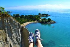 Everything you need to know about visiting Scarborough Bluffs in Toronto. Where to find the lookout, what to bring and picture inspiration! Central America, North America, Scarborough Bluffs, Ontario Travel, Belize, Grenada, Jamaica, Trinidad And Tobago, Caribbean