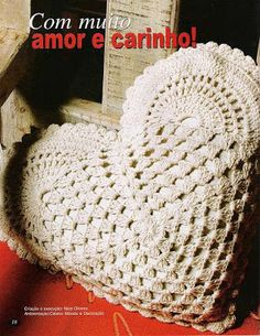 """「BELLA MOSSITAかぎ針編みパターンとグラフィックス """"かぎ針編みのおばあちゃんのハートクッション"""