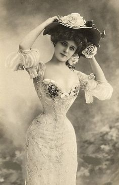 Edwardian Lady... Where is her stomach and liver? So tiny! No wonder they rebelled in the 20s for 'rational dress'!