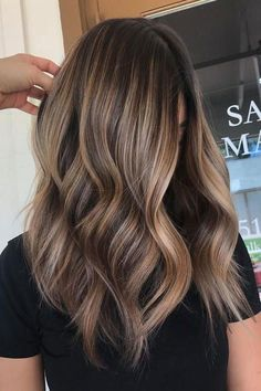Hair Hair with Blonde Highlights_Chocolate Brown Hair with Beige Blonde Natural Highli Hair Color Highlights, Hair Color Balayage, Medium Brown Hair With Highlights, Bronde Balayage, Light Highlights, Coloured Highlights, Beach Highlights, Natural Looking Highlights, Full Balayage