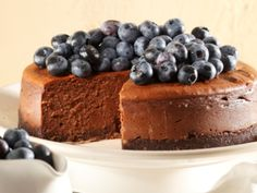 A chocolate cheesecake that will be a real family hit this festive season! Tuck in to enjoy a delicious treat. South African Desserts, Yummy Treats, Yummy Food, Decadent Chocolate, Sweet Tarts, Chocolate Cheesecake, Healthy Dessert Recipes, Cheesecake Recipes, Kos
