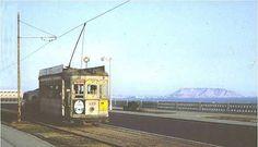 Tranvía interurbano, de fabricación italiana marca Breda, de la Ruta Lima-Magdalena-San Miguel en dirección al Centro de Lima y recorriendo la Avenida Bertolotto en el Distrito de San Miguel - Foto tomada en 1965.