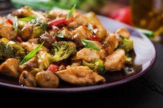 Gyömbéres-szójás csirke sok zöldséggel