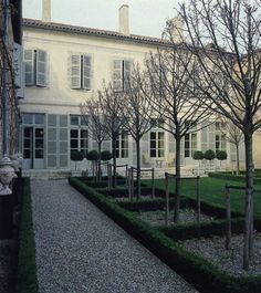 Fritz von der Schulenburg photo of French chateau garden. From World of Interiors via Mark D. Modern Garden Design, Landscape Design, Formal Gardens, Outdoor Gardens, Beautiful Gardens, Beautiful Homes, Style Français, French Style Homes, Garden Architecture