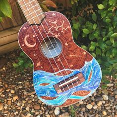 Example of a uke design I did! The client loved the ocean look from the moana ukulele but also wanted something starry incorporated into the design 🌊✨🌙 Ukulele Art, Guitar Art, Cool Guitar, Guitar Painting, Diy Painting, Ukulele Tumblr, Ukelele Painted, Ukulele Design, Painting Art