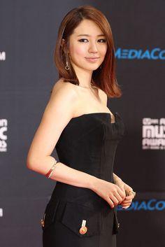 Yoon Eun Hye and Cartier Photograph Brilliant actress and a beautiful woman.