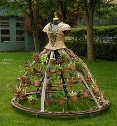 Flower planter. I want one of these in my yard!