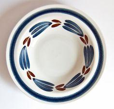 Vintage Arabia Finland - Handpainted Botnia Bowl