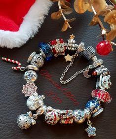Pandora Bracelet Charms, Pandora Jewelry, Charm Bracelets, Pandora Christmas Charms, Bracelet Designs, Bling, Disney Pandora, Pandoras Box, Troll