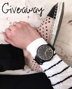 Happy Friday! New post on Houseofcomil.com about this stunning wood watch. ALSO I've teamed up with JORD @woodwatches_com to host a giveaway. One lucky winner will get a $75 voucher from JORD. What makes this even better is that you can get a $20 coupon just for entering.  All you have to do is like this picture and click the link on my instagram Bio (to enter your name and email) and Voilà!  This giveaway will end in July 3 and of course it's international.  #Jordwatch #wearJORD #BeYou…