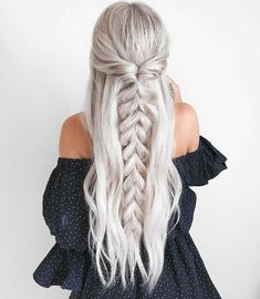 Trendy Chic Braided Hairstyle Ideas You Should Try - Pull through braid half up . through Braids prom Trendy Chic Braided Hairstyle Ideas You Should Try - Pull through braid half up . Chic Hairstyles, Box Braids Hairstyles, Trending Hairstyles, Straight Hairstyles, Hairstyle Ideas, Half Braided Hairstyles, Teenage Hairstyles, Hairstyles 2016, Gorgeous Hairstyles