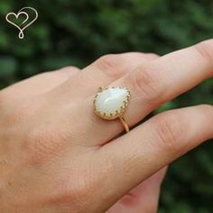 Breastmilk ring in solid gold setting; breast milk jewellry with professionally preserved Breastmilk Breastfeeding Art, Dark Material, Pear Shaped, Jewelery, Gold Jewellery, Custom Jewelry, Im Not Perfect, Create Yourself, Bubbles