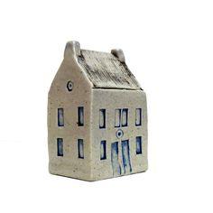 Scottish Farmhouse , Miniature  House , Village house,  Ceramic Sculpture. 39 Euros