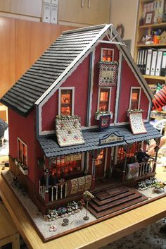 Simply Patchwork: No os perdáis esta entrada! Don't miss this cute quilt house, amazing!
