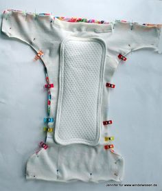 Baby Knitting Patterns Toys DIY cloth diapers sew themselves Newborn Diapers, Cloth Diapers, Knitting For Kids, Baby Knitting Patterns, Sewing Clothes, Diy Clothes, Home Goods Wall Decor, Homemade Baby Toys, Crochet Bags