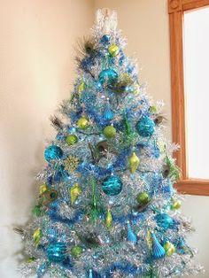 Jacobs Family Blog: Peacock Christmas - Tinsel Tree