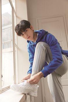 Cute Asian Guys, Asian Boys, Cute Guys, Park Chanyeol, Suho, Vixx, Jungkook Thighs, Lee Hyun Woo, Lee Jong