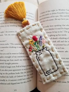 Hand Embroidered Wildflowers in a jar Fabric Bookmark Simple Embroidery, Hand Embroidery Patterns, Cross Stitch Embroidery, Embroidery Designs, Folk Embroidery, Indian Embroidery, Sewing Crafts, Sewing Projects, Creations