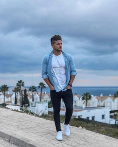 Urban Fashion Photoshoot Boho urban wear for men fall.Urban Wear Fashion All Black. Urban Style Outfits, Casual Summer Outfits, Mode Outfits, Cool Outfits For Men, Guy Outfits, Best White Sneakers, White Sneakers Outfit, Sneakers Style, Urban Apparel