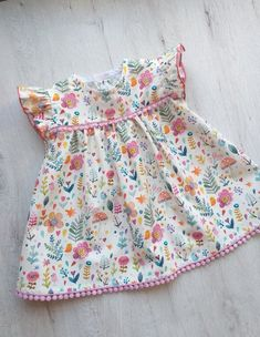 Dress for baby girl made in cotton poplin with guipure details. Available in various sizes. For any information contact me. Baby Girl Frocks, Frocks For Girls, Dresses Kids Girl, Kids Outfits Girls, Girl Outfits, Children Dress, Dress Girl, Kids Frocks Design, Baby Frocks Designs
